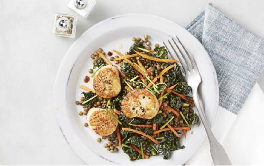 Seared scallops and lentil salad