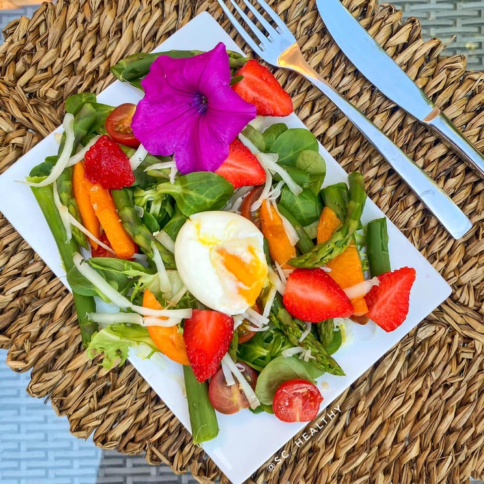 Mixed asparagus salad with summer fruits & vegetables